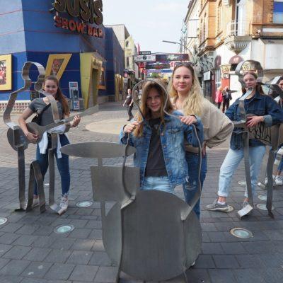 Der Beatles-Platz an der Reeperbahn ist ein guter Ort, um Schulklassen die Musikgeschichte St. Paulis anfassbar zu machen.